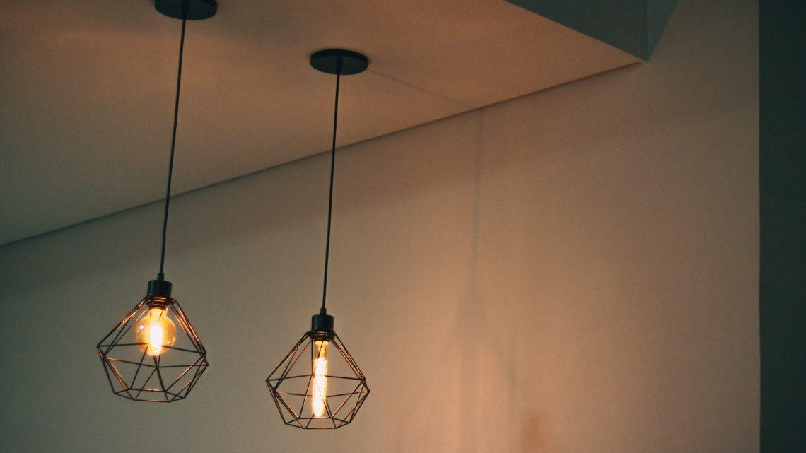 Lampy stojące do mieszkań