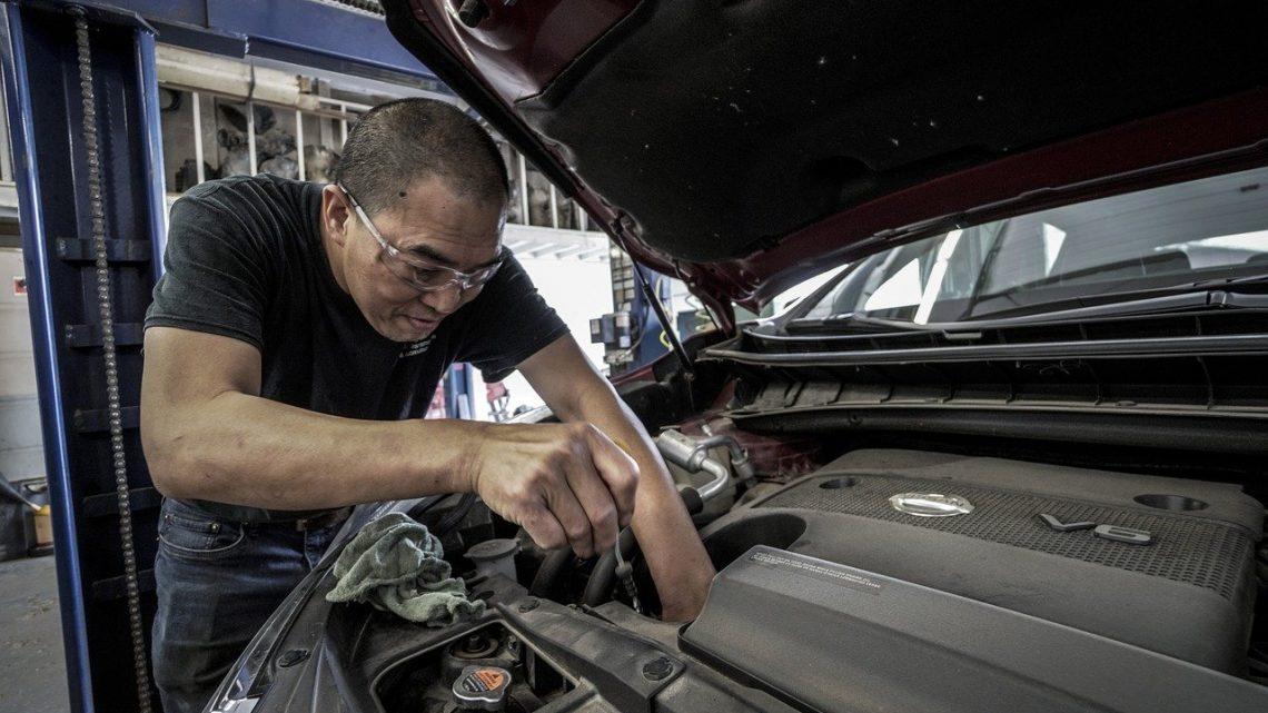 Samochód i jego komponenty – gdzie kupować