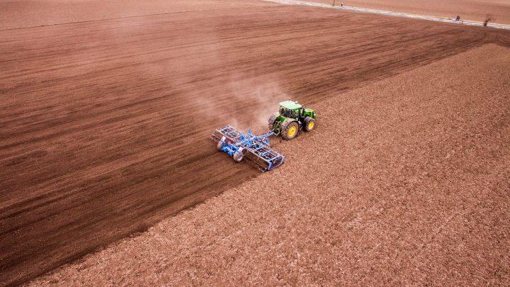 Trwałe, solidne hale dla rolnictwa na lata