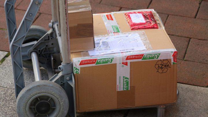 Jak tanio wysyłać paczki?
